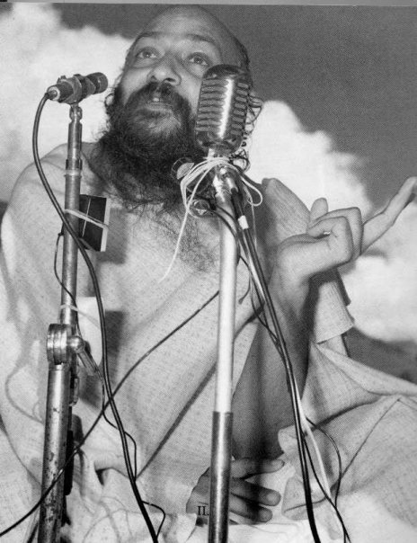 Osho - Every sannyasin has to shout from the housetops